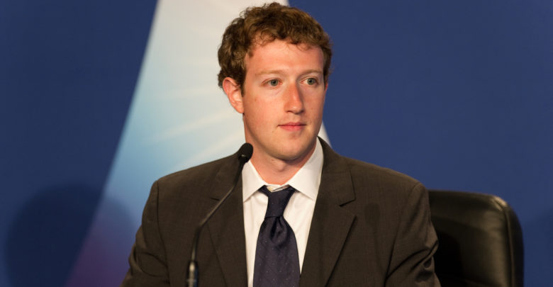 Upset Over Tim Cook's Remarks, Mark Zuckerberg Ordered Facebook Employees To Ditch iPhones
